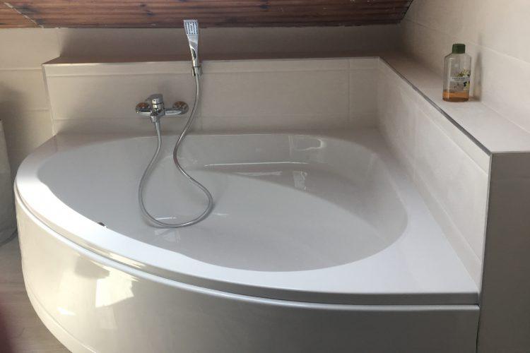 Renovation salle de bains sous les combles Réalisation Flamme et Eau